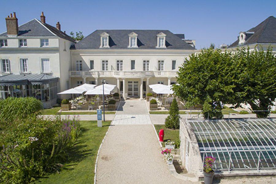 CLARION Château Hôtel BELMONT