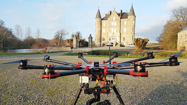 Tournage drone pour la série documentaire «Escape to the château»